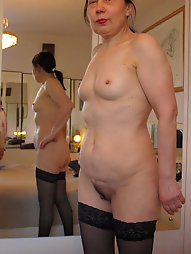 French mature mama is fingering herself
