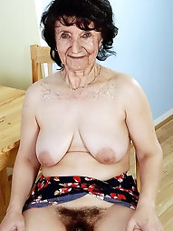 Old gilf is posing almost nude