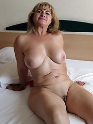 Older MILF gets ready for fuck