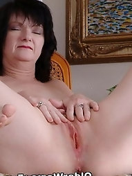 Grandma Shelly undresses Off And shows Her screwable body