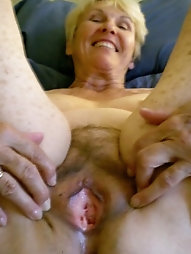 Staggering older damsel is showing her sexy lines on photo